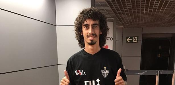 Valdívia já está em Belo Horizonte para assinar contrato com o Atlético-MG