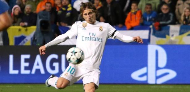 Luka Modric em ação pelo Real Madrid durante jogo contra o Apoel - Yiannis Kourtoglou/Reuters