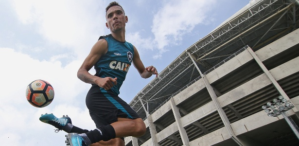 Luiz Fernando é uma das principais contratações do Botafogo no mercado da bola
