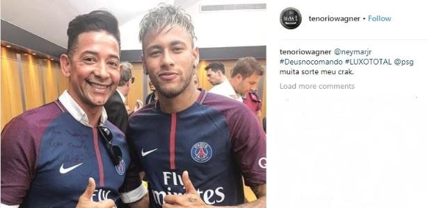 Wagner Tenório é o cabeleireiro de Neymar e esteve na apresentação do craque no PSG