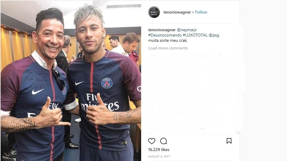Wagner Tenório é o cabeleireiro de Neymar