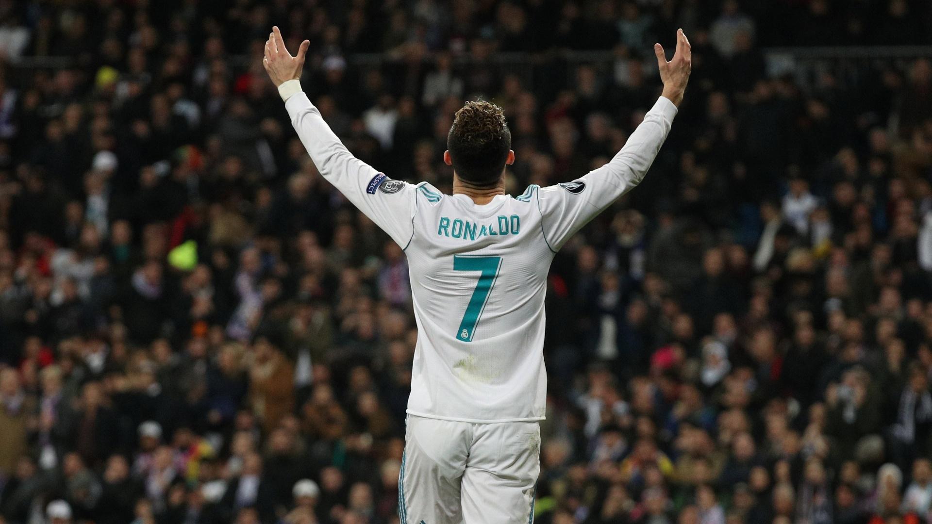 Cristiano Ronaldo comemora gol do Real Madrid contra o PSG
