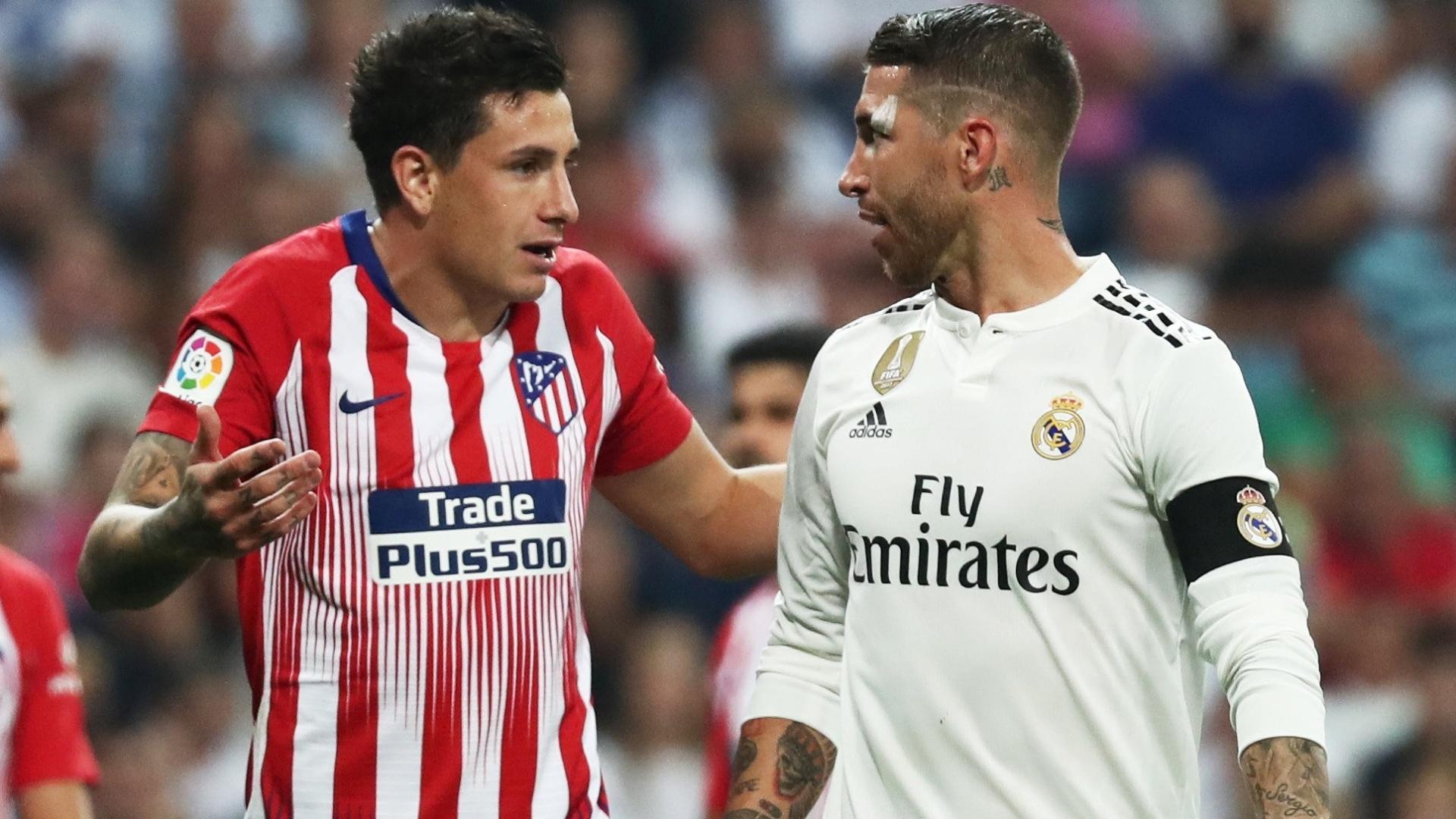 Sergio Ramos e Jose Gimenez discutem no clássico entre Real Madrid e Atlético de Madri
