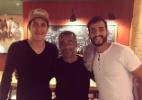 Com Pedro e Henrique Dourado, Romário brinca: