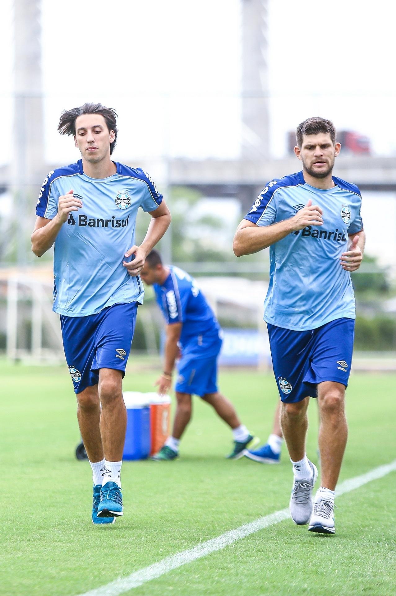 Grêmio espanta assédio e trata Geromel e Kannemann como inegociáveis -  11 01 2019 - UOL Esporte 7c1a4ad27ea4b