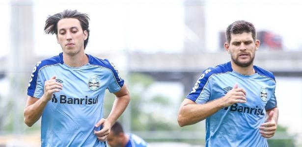 Pedro Geromel e Kanneman em treino do Grêmio. Dupla é a base do time para 2019
