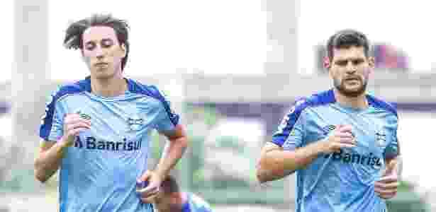 Pedro Geromel e Kanneman em treino do Grêmio. Dupla é a base do time para 2019 - Lucas Uebel/Grêmio