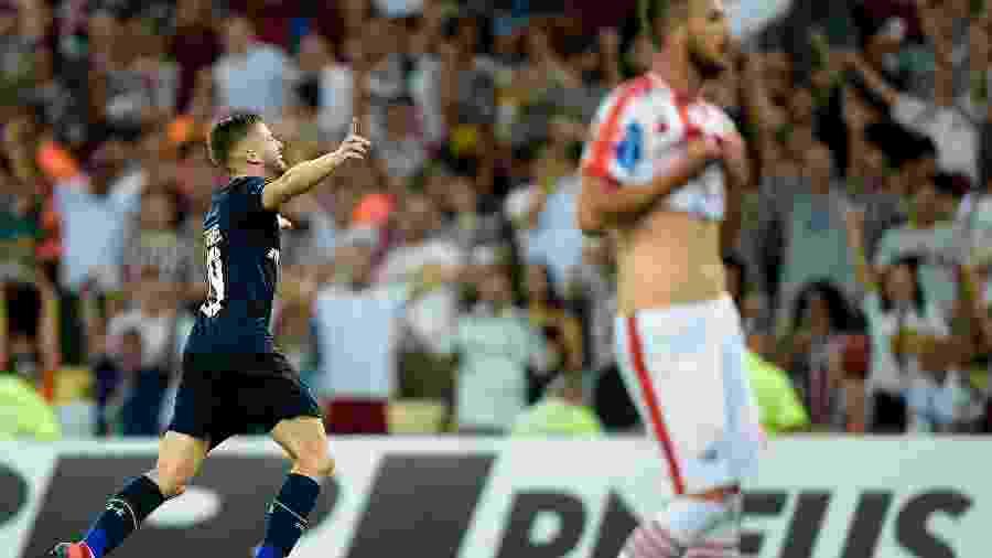 Caio Henrique deve ser deslocado da lateral para voltar ao meio de campo na vaga de Airton - Thiago Ribeiro/AGIF