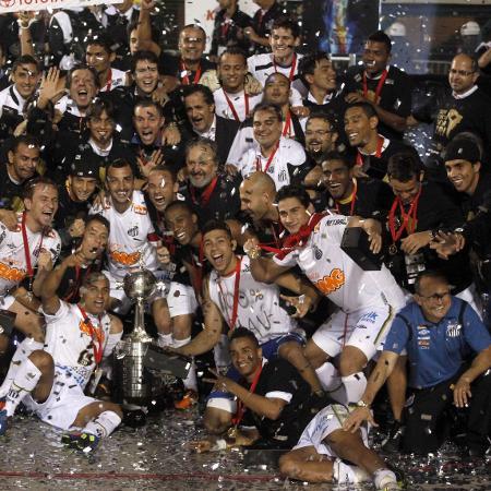 Jogadores do Santos comemoram título da Libertadores de 2011 - REUTERS/Nacho Doce