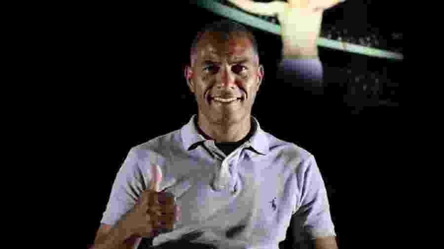 Campeão em 1992, Caíco é auxiliar técnico de Odair Hellmann no Inter - Divulgação/Internacional