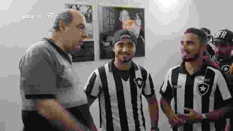Irmãos Rafael e Fábio conversam com Nelson Mufarrej, presidente do Botafogo - Reprodução Botafogo TV - Reprodução Botafogo TV