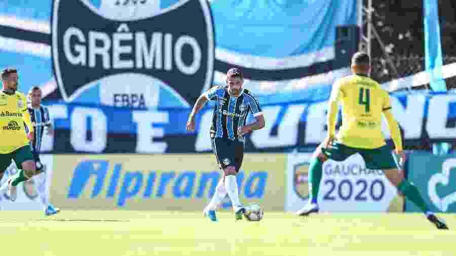 Diego Souza durante jogo do Grêmio. Time voltará a atuar na Arena, em Porto Alegre - Lucas Uebel/Grêmio FPBA