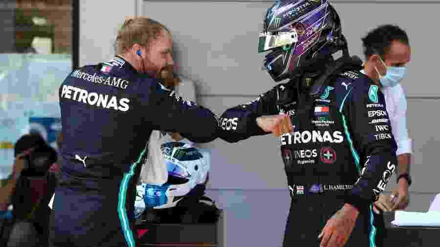 Valtteri Bottas e Lewis Hamilton celebram a dobradinha na Espanha - LAT Images/Mercedes