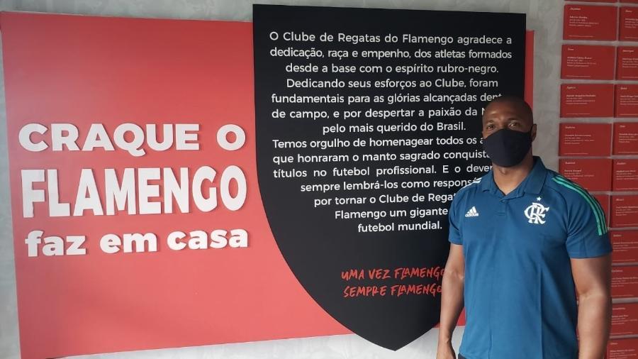 Ex-lateral Gilberto volta ao Flamengo para coordenar projeto de formação de base - Ian Sena/CRF