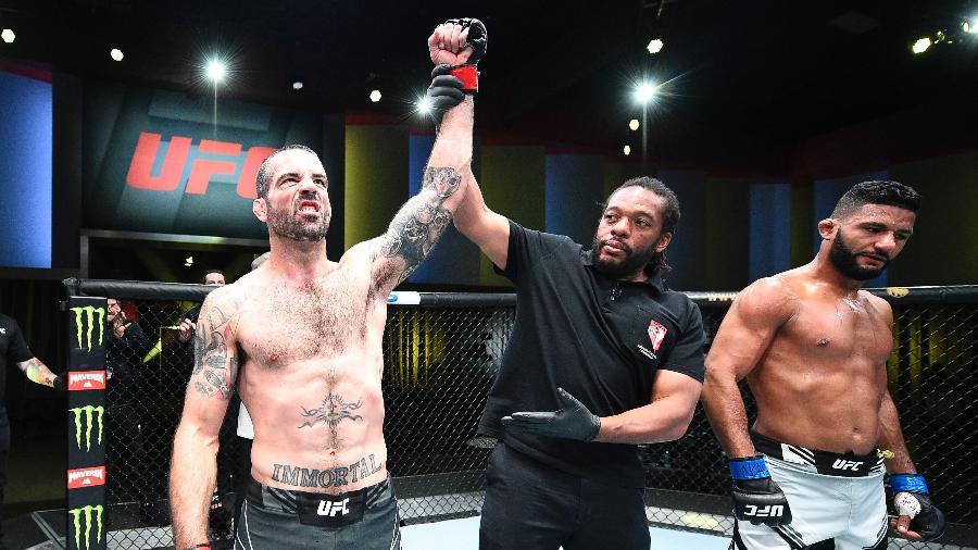 Brasileiro Dhiego Lima é derrotado por Matt Brown no UFC Las Vegas - Chris Unger/Zuffa LLC