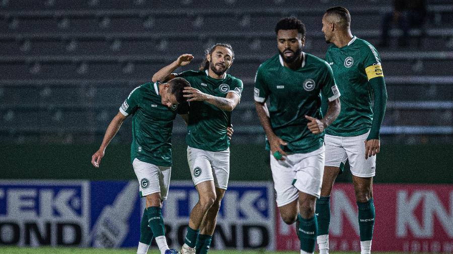 Everton Brito comemora gol do Goiás contra o Vasco pela Série B - Heber Gomes/AGIF