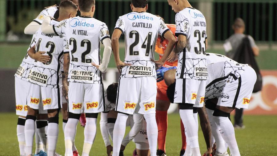 O volante Cantillo com a camisa 24 do Corinthians no jogo contra a Chapecoense - Rodrigo Coca/Agência Corinthians
