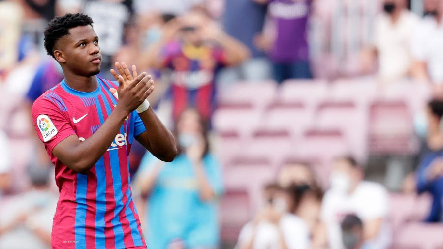 Ansu Fati comemora retorno aos gramados pelo Barcelona - GettyImages