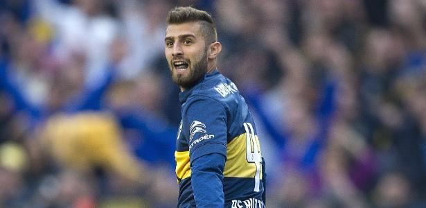 Lateral Gino Peruzzi tem sido pouco aproveitado no Boca Juniors - ALEJANDRO PAGNI/AFP