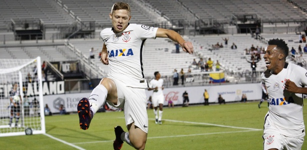 Marlone celebra gol marcado na vitória sobre o Vasco por 4 a 1 na Florida Cup