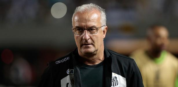 Dorival destacou gols de Ricardo Oliveira e Vitor Bueno como pontos positivos