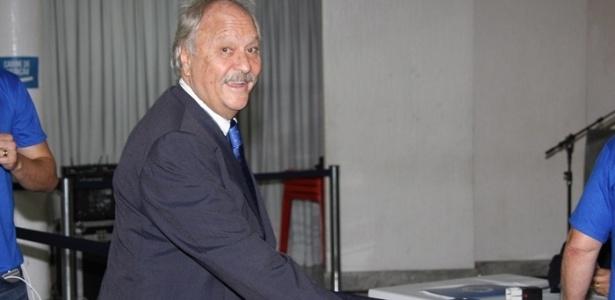 Wagner Pires, presidente do Cruzeiro, ainda não sabe o que fazer em relação às dívidas