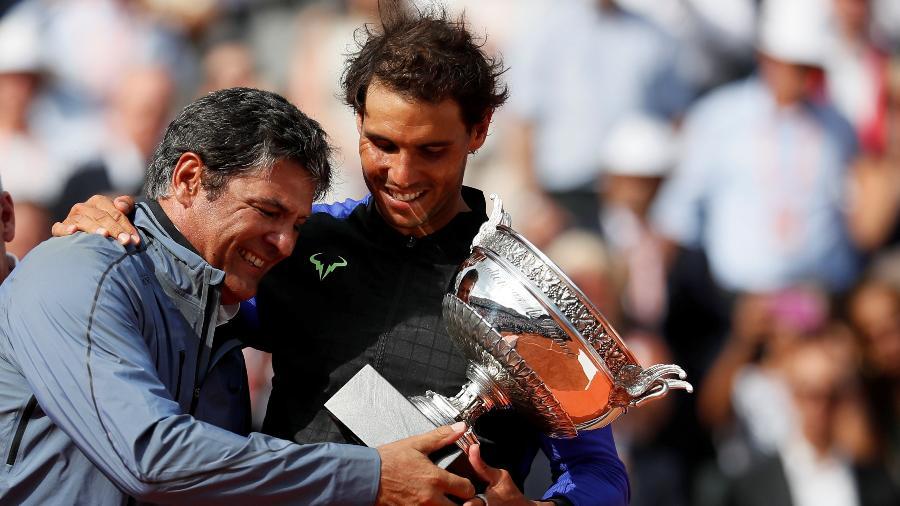 Rafael Nadal e o tio e técnico Toni em Roland Garros  - CHRISTIAN HARTMANN/REUTERS