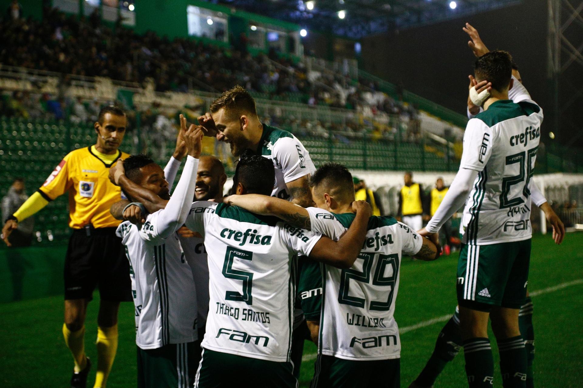 Hyoran brilha contra ex-time e Palmeiras vence pela primeira vez em Chapecó  - 02 09 2018 - UOL Esporte f2e27baa5cc33