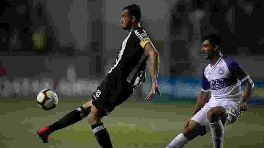 Réver em ação pelo Atlético-MG contra o Defensor pela Copa Libertadores 2019 - Pedro Vale/AGIF
