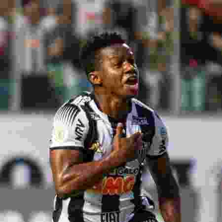 Cazares, do Atletico-MG, comemora seu gol durante partida contra o Corinthians no estadio Independencia - Alessandra Torres/AGIF