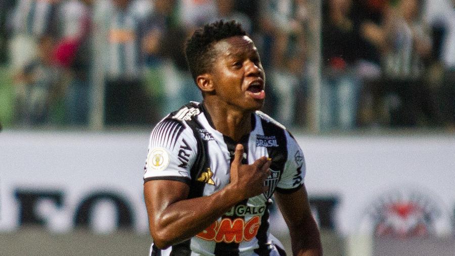 Cazares foi o nome do jogo, com participação nos dois gols do Galo - Alessandra Torres/AGIF