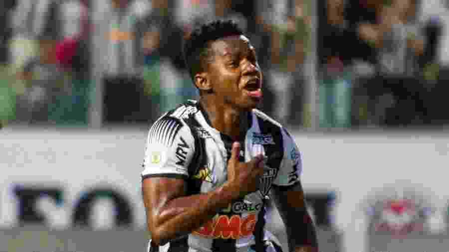 Cazares marcou o primeiro gol alvinegro no Horto e sofreu o pênalti antes de Fábio Santos marcar o gol da vitória - Alessandra Torres/AGIF