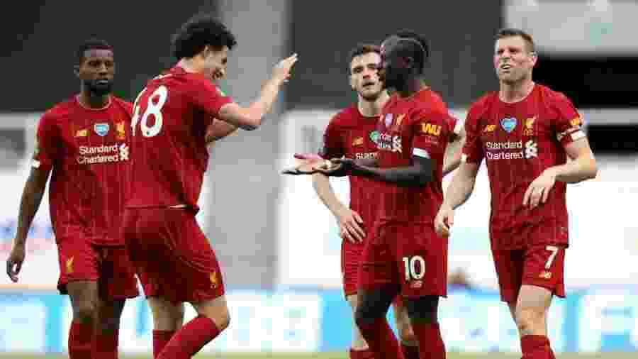 26.jul.2020 - Sadio Mané comemorando gol do Liverpool sobre o Newcastle - Getty Images