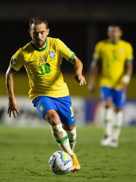 O meia da seleção brasileira Everton Ribeiro durante jogo contra a Venezuela - Lucas Figueiredo/CBF