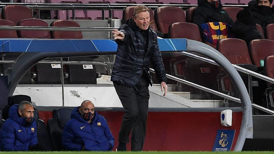 Ronald Koeman tem o futuro incerto no Barcelona - Josep LAGO / AFP