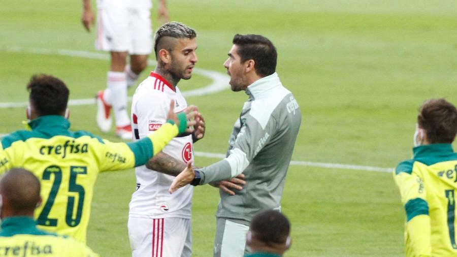 Abel Ferreira e Liziero frente a frente durante a final entre São Paulo e Palmeiras - Flavio Curvello/Estadão Conteúdo