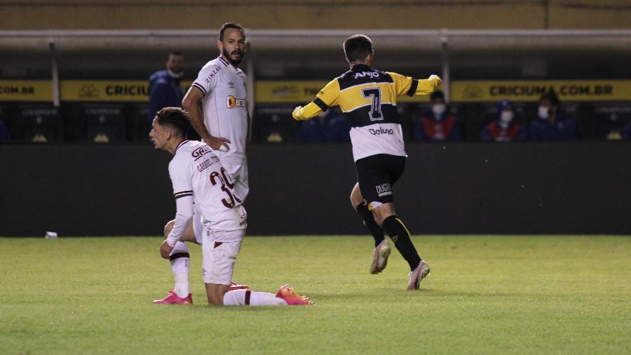 Criciúma comemora gol contra o Fluminense pela Copa do Brasil - LUCAS GABRIEL/ESTADÃO CONTEÚDO