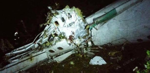 Destroços da aeronave que se acidentou na Colômbia com a equipe da Chapecoense