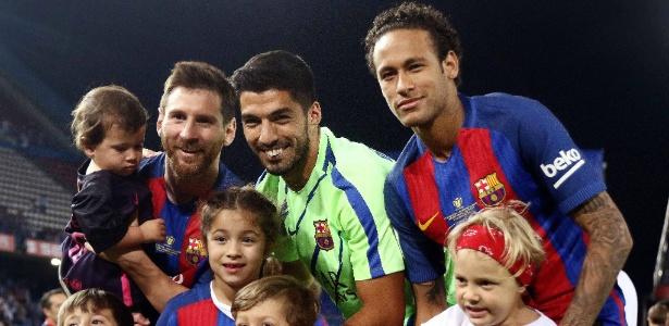 Lionel Messi, Luis Suárez e Neymar posam após a conquista da Copa do Rei