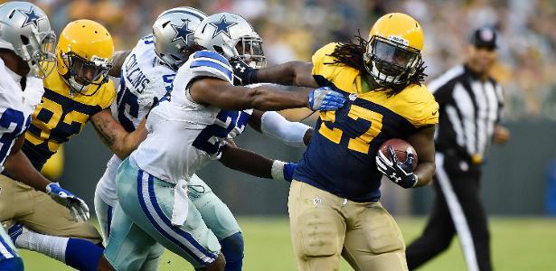 Eddie Lacy (à direita) em ação pelos Packers contra o Dallas Cowboys - Hannah Foslien/Getty Images