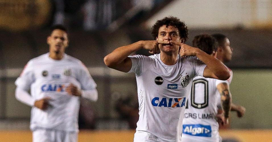 Vitor Ferraz do Santos comemora seu gol contra o Flamengo pela Copa do Brasil