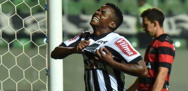 Cazares terminou a temporada passada com 17 passes para gol e encantou Oswaldo