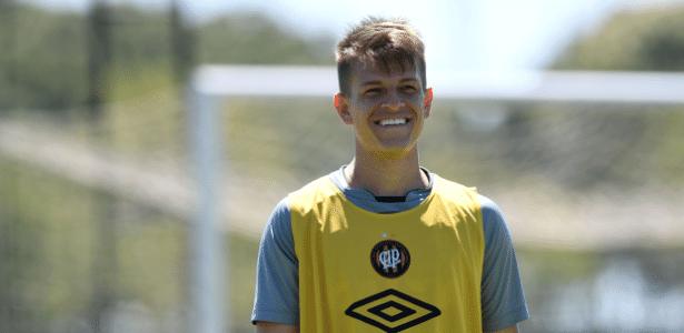 João Pedro ficará no Atlético, apesar da proposta do América-MG