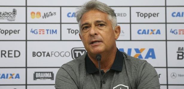 Marcos Paquetá foi apresentado como novo técnico do Botafogo