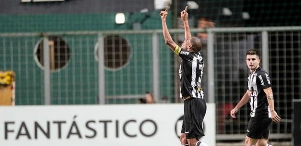Quase quarentão, jogador ainda não tem aposentadoria definida para o final do ano - Bruno Cantini/Atlético