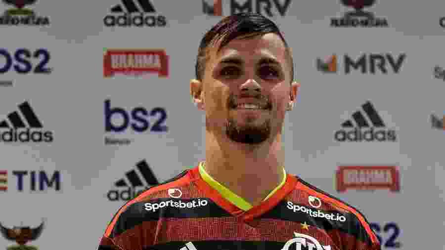 Michael é apresentado pelo Flamengo - Thiago Ribeiro/AGIF