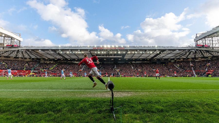 Old Trafford, estádio do Manchester United, é visto lotado em jogo do clube - Ashley Donelon/Manchester United via Getty Imag