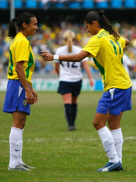 Marta e Cristiane na decisão do futebol feminino no Pan Rio 2007 - Joel Auerbach/Getty Images