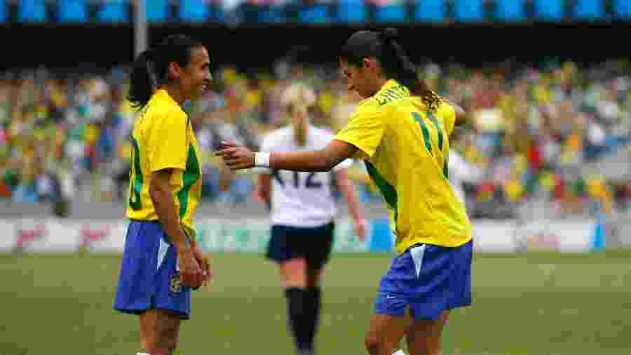 Marta e Cristiane na decisão do futebol feminino no Pan do Rio, em 2007 - Joel Auerbach/Getty Images