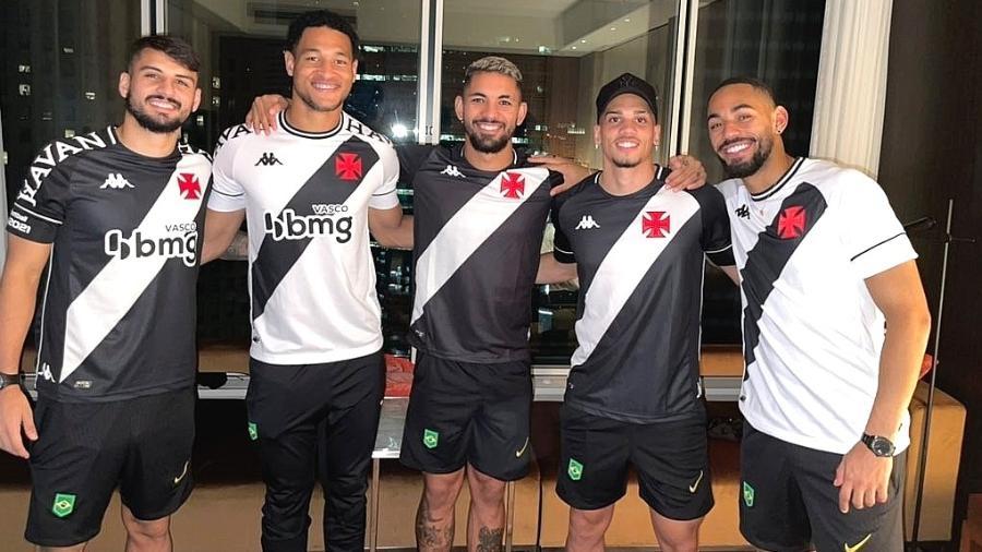 Jogadores da seleção olímpica com a camisa do Vasco na concentração em Tóquio - Reprodução